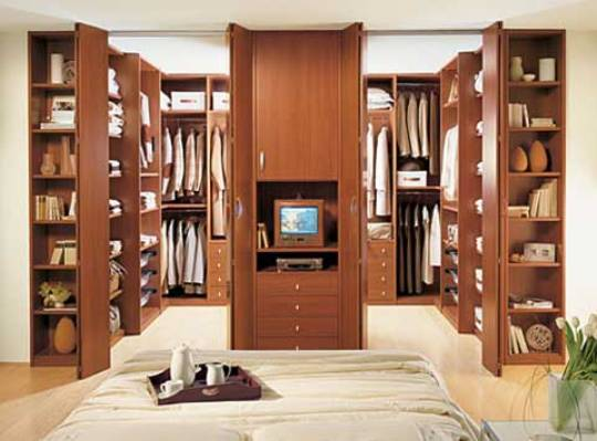 Walk in closet by ima Walk in bedroom closets