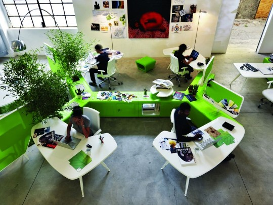 Workspace-system-green-office-desks