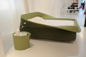 Nest-Like Bed From Lago For Safe And Sound Sleep