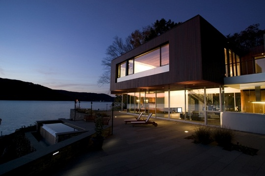 Lakeside House Artreehoose By Della Valle Bernheimer