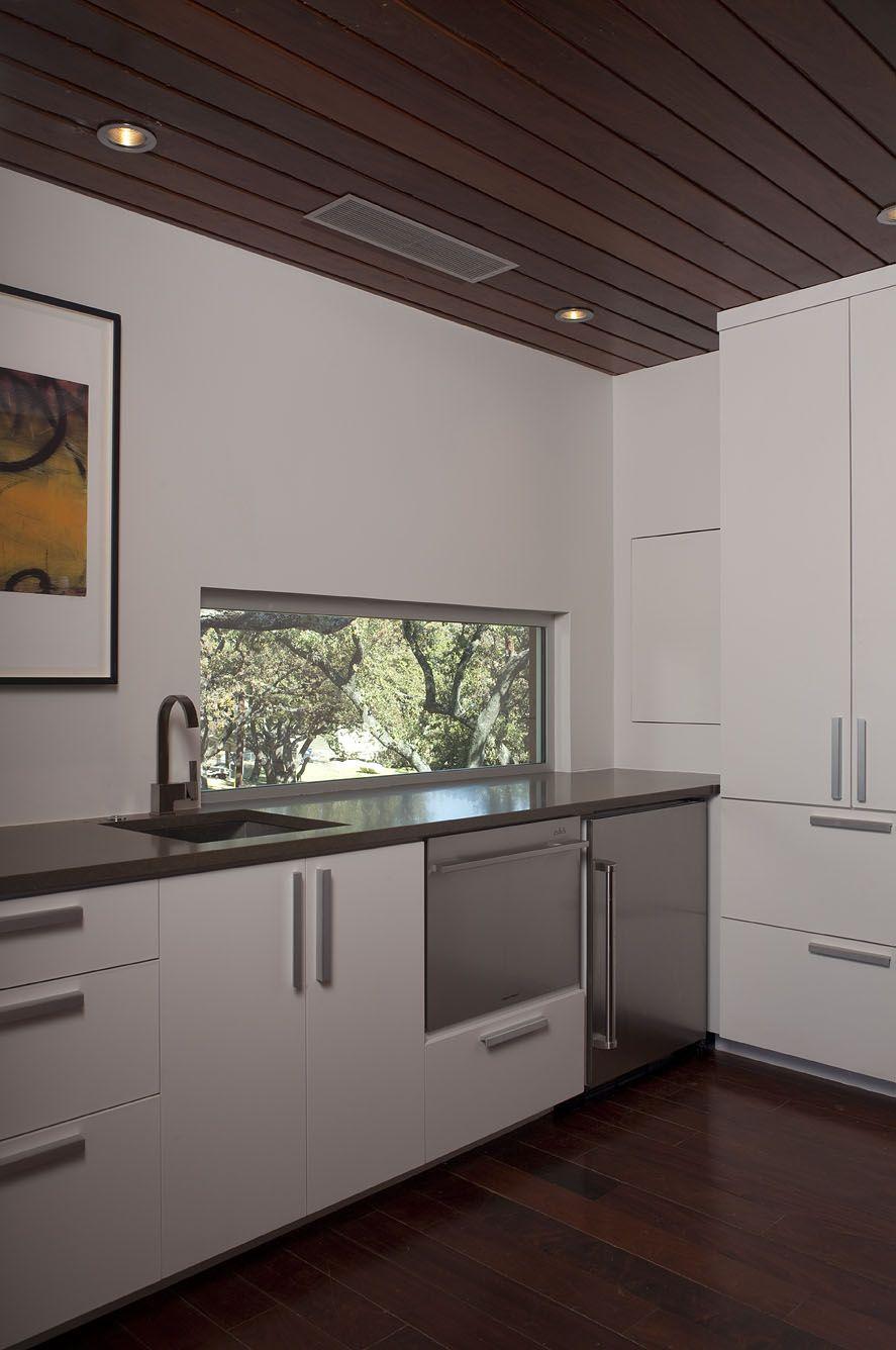 Lake LBJ Retreat kitchen