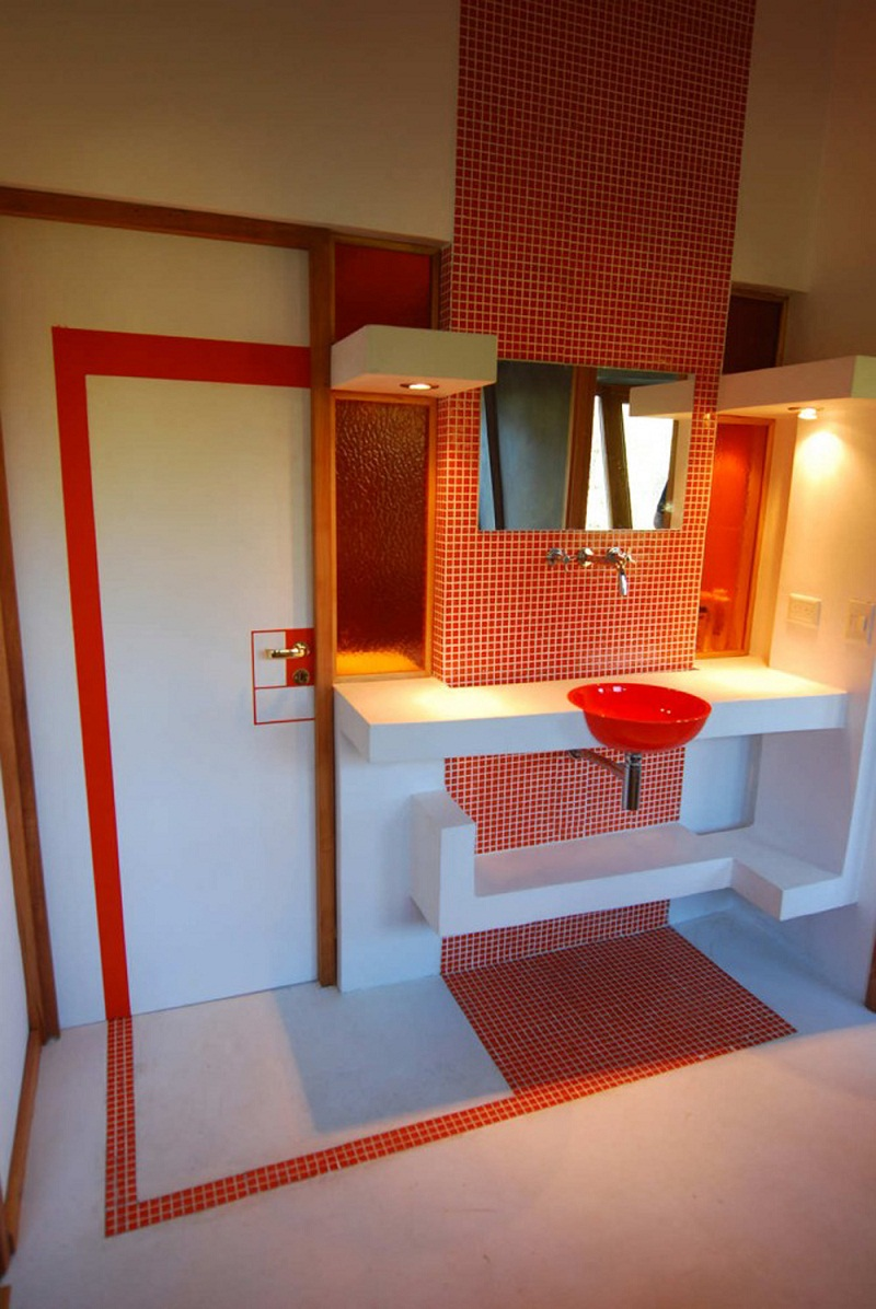 Ribbon House bathroom