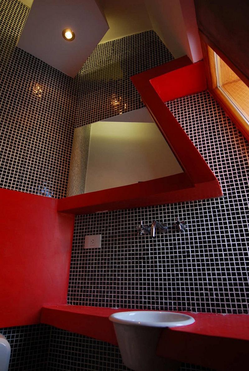 Ribbon House Backsplash bathroom
