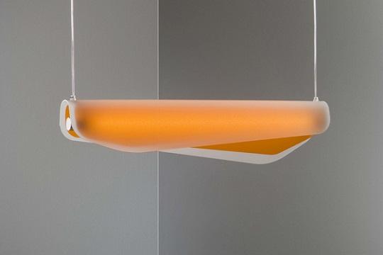 Algae hanging lamp by Christisn Vivanvo