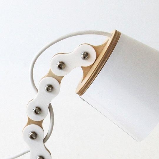 B-chain lamp