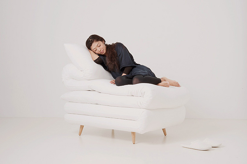 Sleepy Chair Made from mattresses by Daisuke Motogi 3
