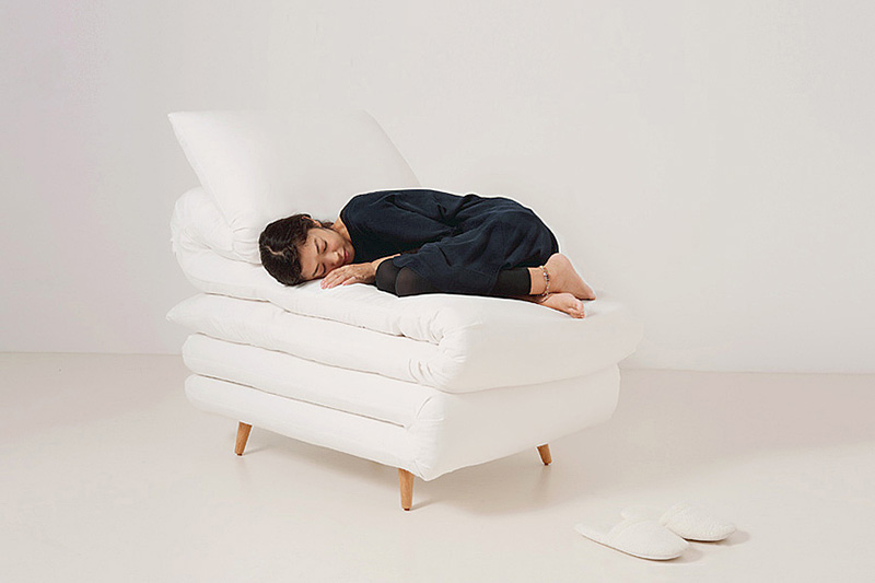 Sleepy Chair Made from mattresses by Daisuke Motogi 4