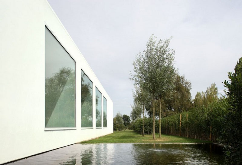 Villa V in T by Beel & Achtergael Architects 17