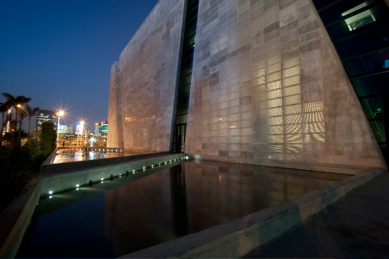 Italian Pavilion using transparent cement at China Expo 3
