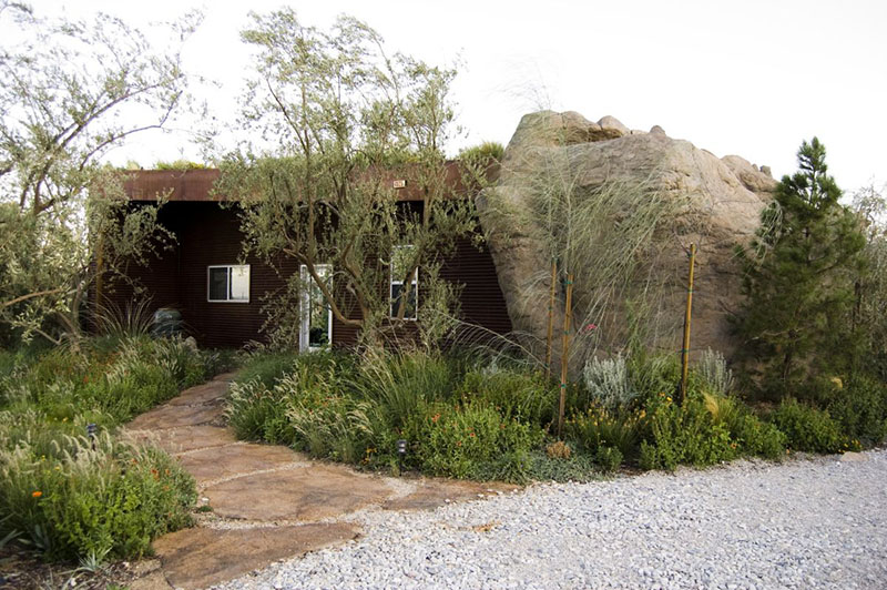 Joshua Tree Boulder House 4