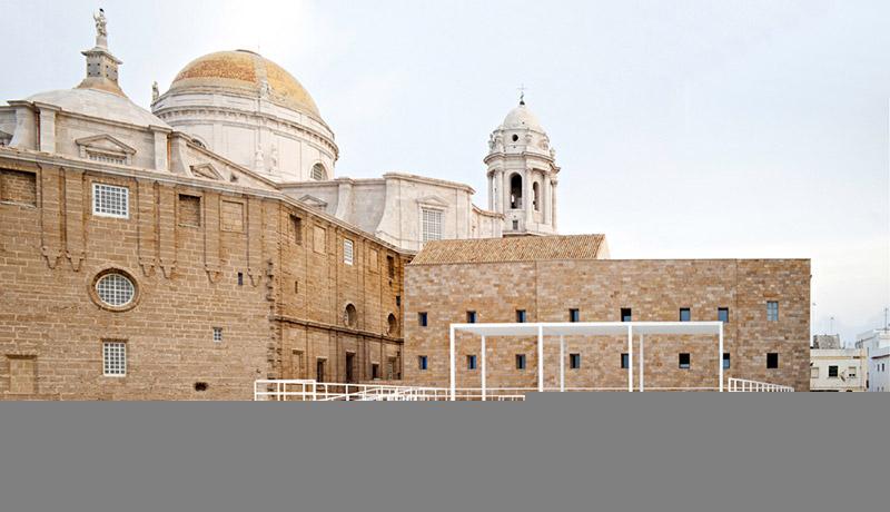 Between Cathedrals in Cadiz 5