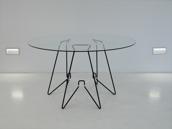 SP-7 bent wire frame dining table