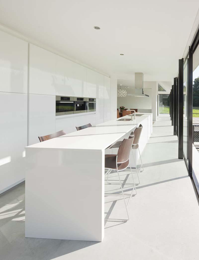 Villa Geldrop by Hofman Dujardin Architects 10