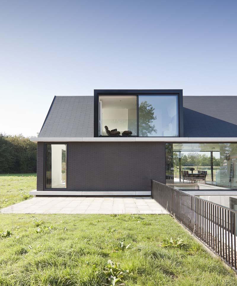 Villa Geldrop by Hofman Dujardin Architects 7