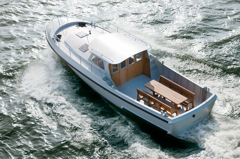 Firmship 42 Modern Boat by Studio Job 1