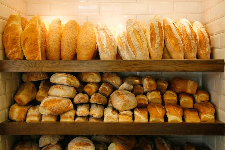 хлеб, батон, булка, лоток, прилавок - вдохновляющие картинки на Favim.ru