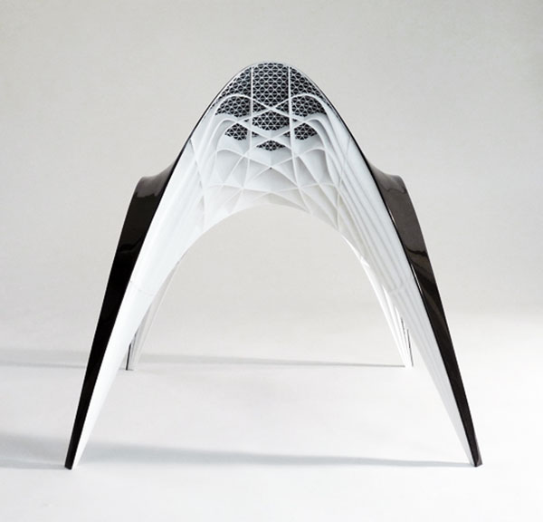 The Gaudi Chair with small duck-tail backrest 3