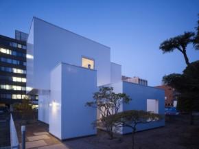 House I by Japanese Architect Yoshichika Takagi