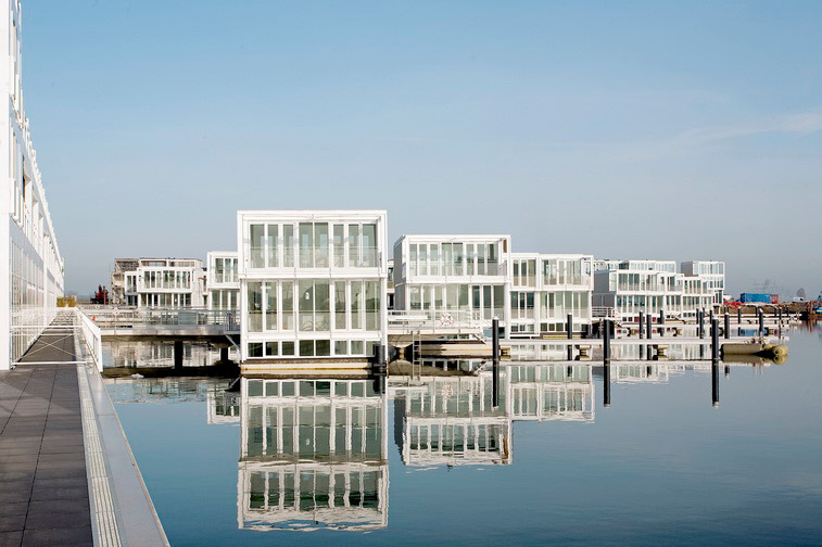 Hybrid of a House and a Boat - Waterdwellings on IJburg 1