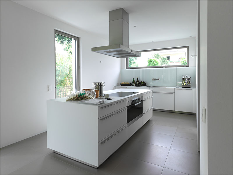 Elegant kitchen design bulthaup b3 for Bulthaup kitchen cabinets