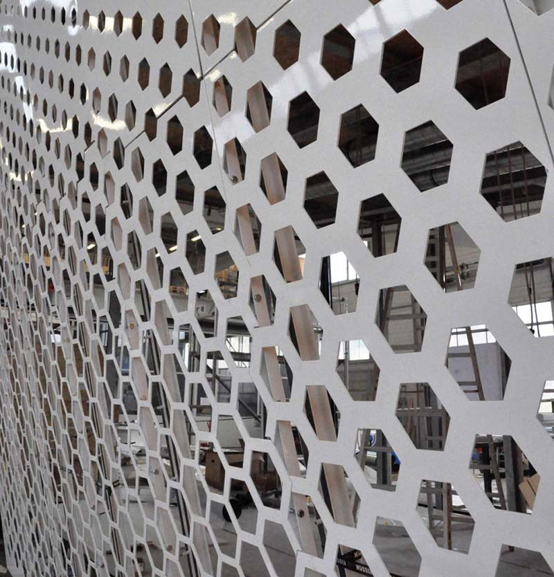 Electrolux Cube Dining Pavilion by Park Associati 7