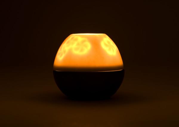 Ilumi Candle Holder by Fitorio Leksono 3