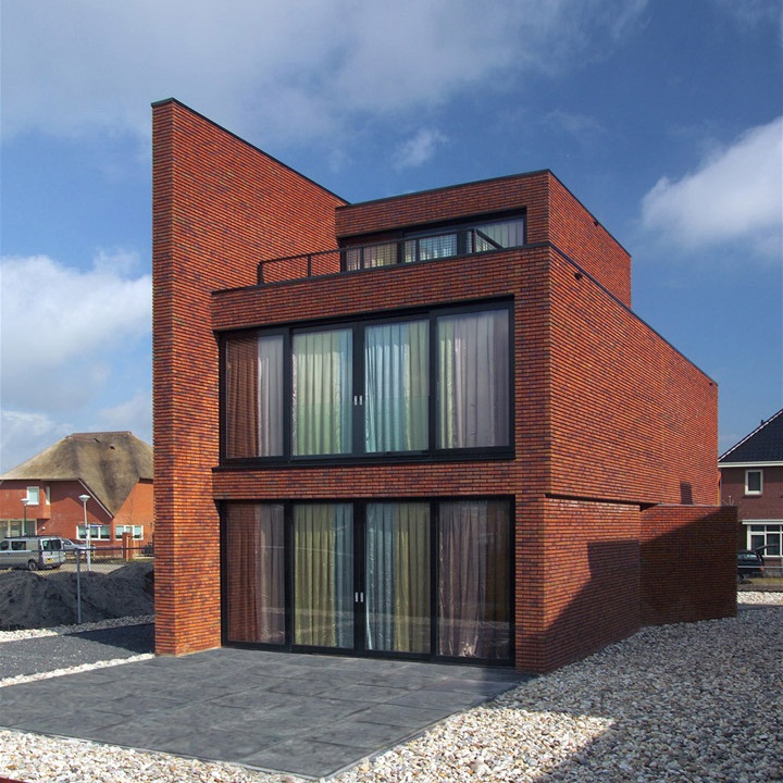 Brick Wall House by 123DV Architecture 1