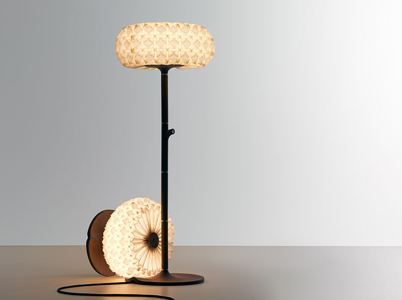 Molecules floor lamp