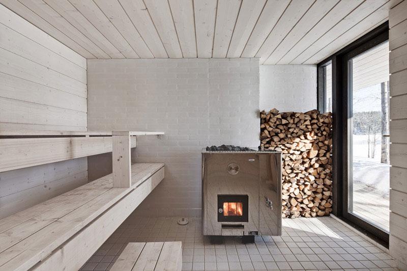 Four-Cornered Villa by Avanto Architects 10