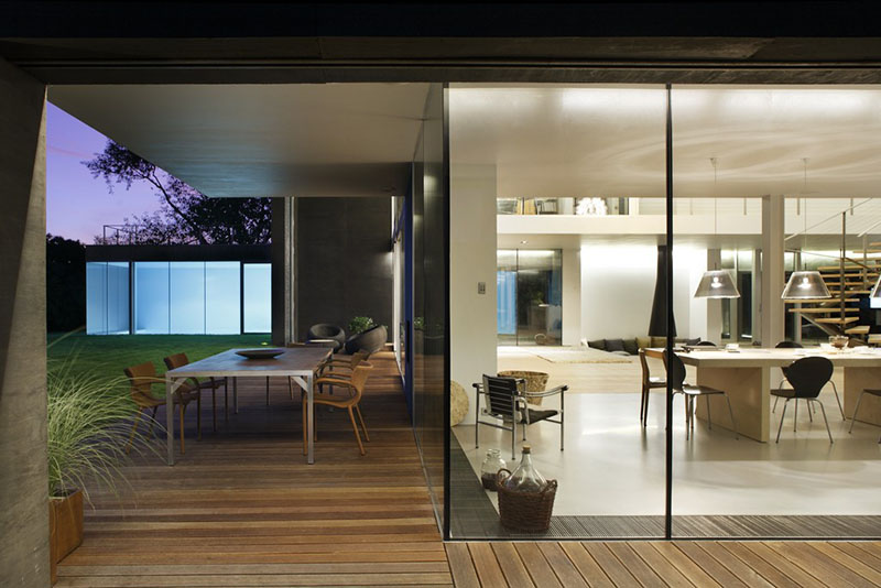 Safe House by KWK Promes 10