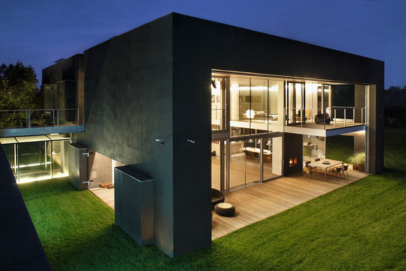 Safe House by KWK Promes 8