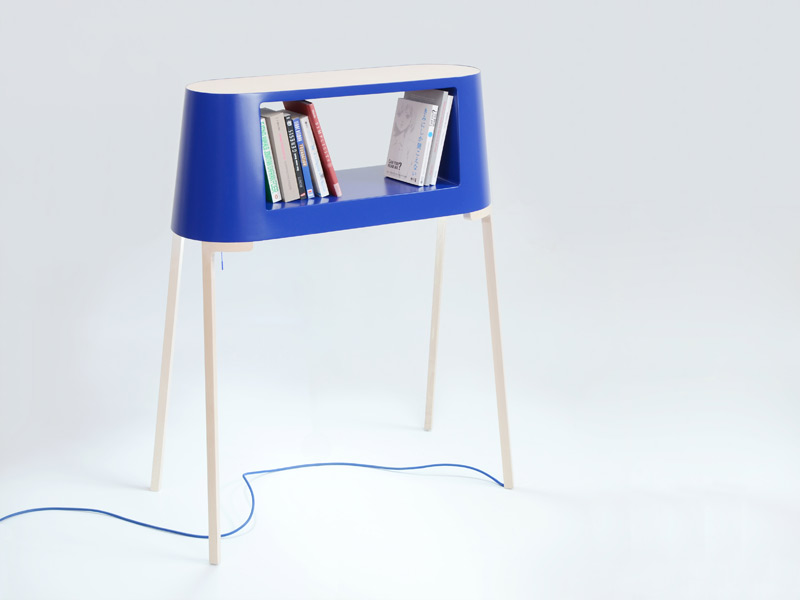 Readme Bookshelf and reading lamp 1