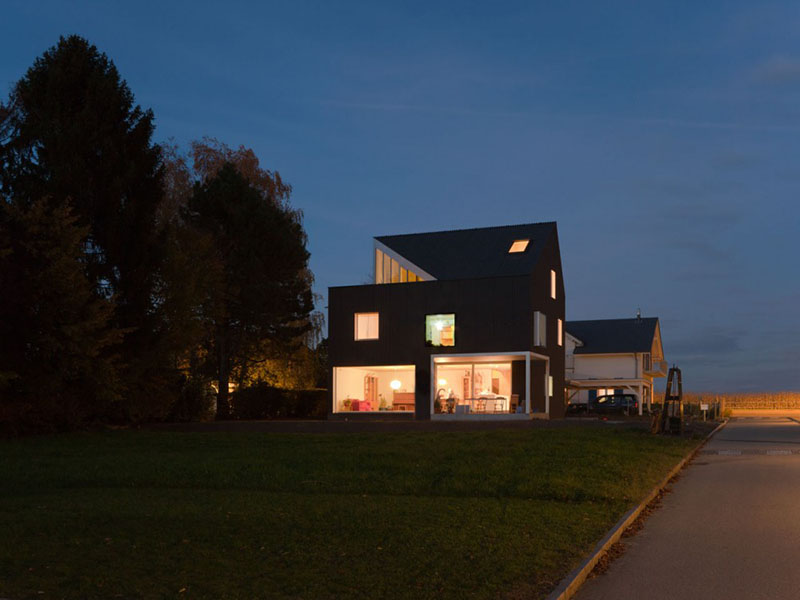 Family House in Bellmund at night