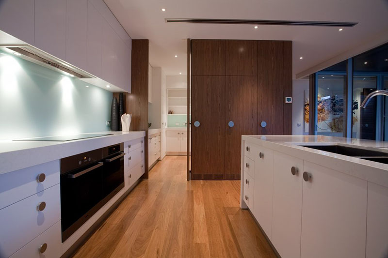 Kew House 3 kitchen design