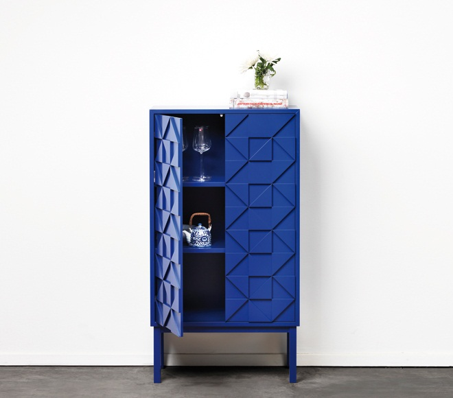 Collect 2011 Cabinet Blue open