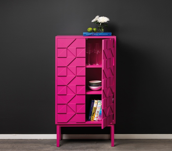 Collect 2011 Cabinet Cerise open