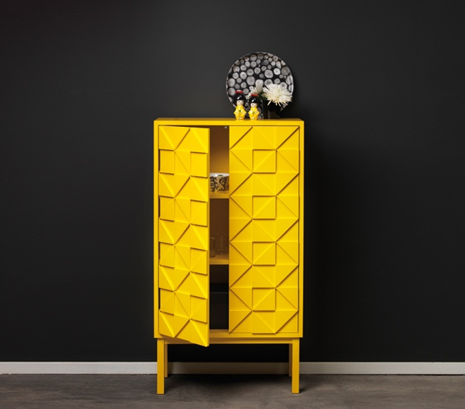 Collect 2011 Cabinet Yellow open