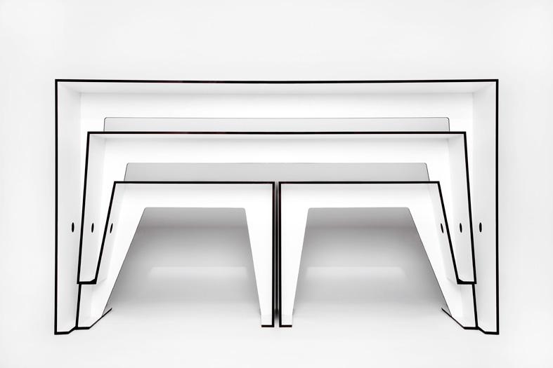 The Compact Café Table
