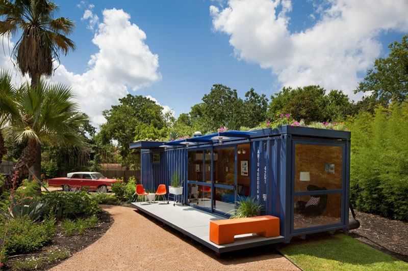Container Guest House 2