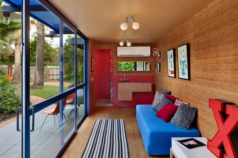 Container Guest House 6