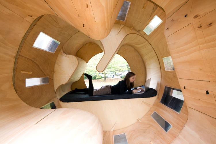 Cylindrical rotating house roll it 3