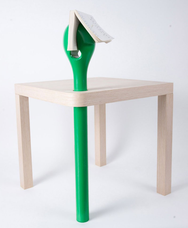 Sprout Reading Table with petal-shaped bookmark 1