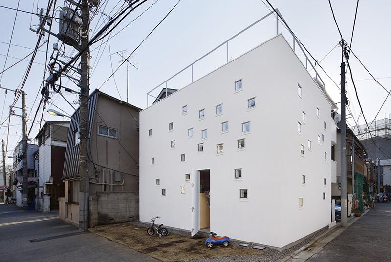 RoomRoom by Takeshi Hosaka 1