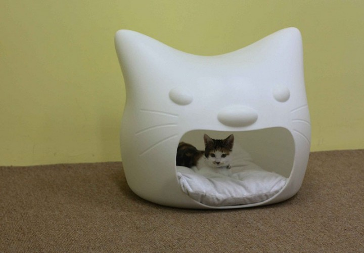 Kitty Meow cat bed 1