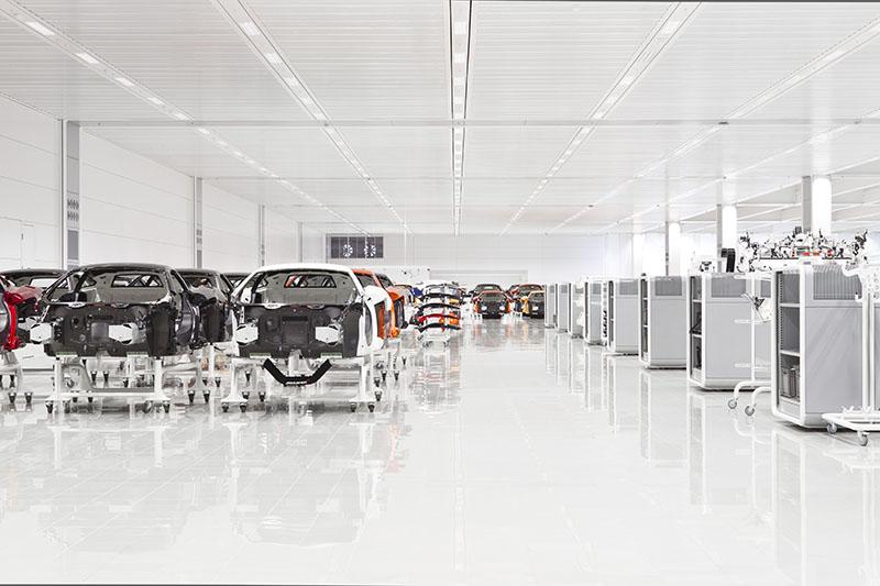 McLaren production Centre by Foster + Partners 10