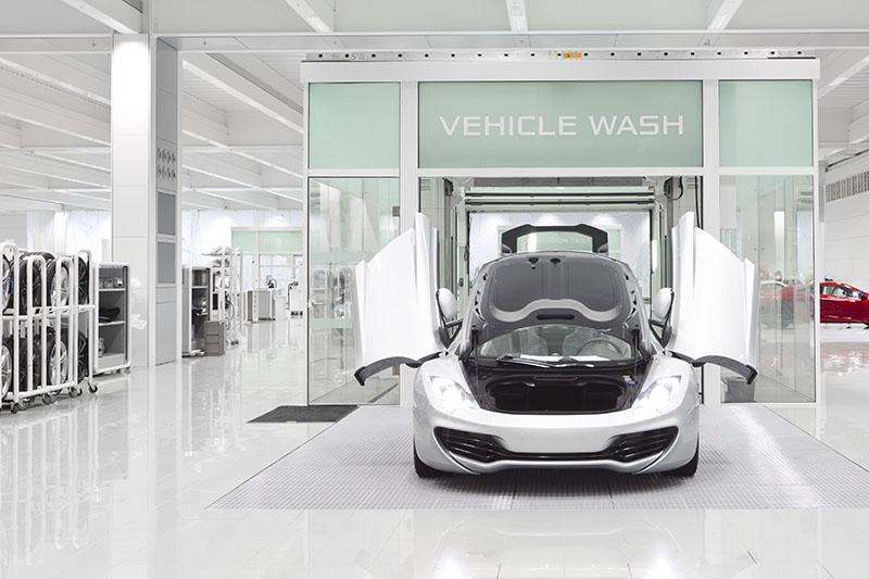 McLaren production Centre by Foster + Partners 11