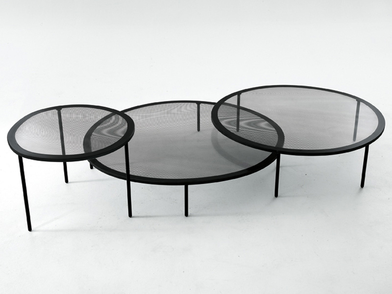Taffy Coffee Table by Luca Nichetto