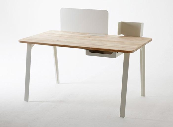 Mantis modular work desk 1