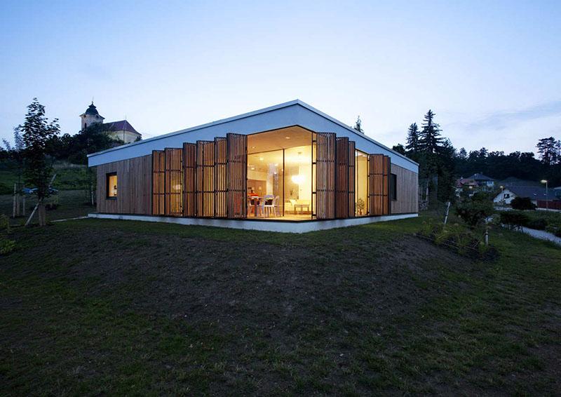 Family House In Kraluv Dvur 9