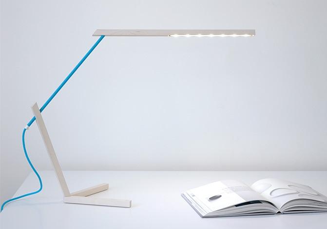 Mantis Desk Lamp 1